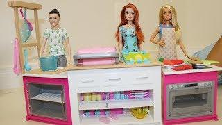Brincando com a nova Barbie Cozinha dos sonhos
