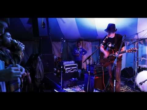 Funke and the Two Tone Baby - Battles (Smugglers Festival 2013)
