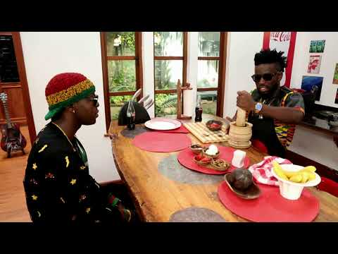 Bisa Kdei introduces Eddy Kenzo to his favourite childhood dish.