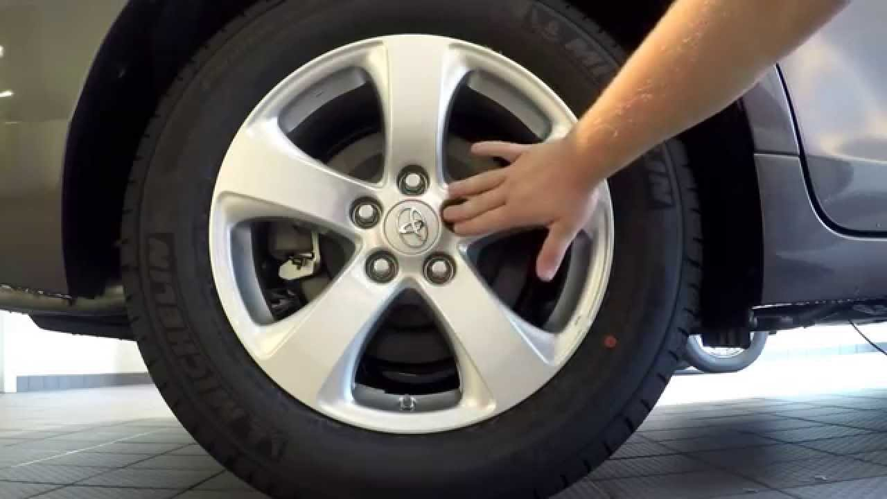 Toyota Tire Deals >> How To Change A Tire On A Toyota Sienna Youtube