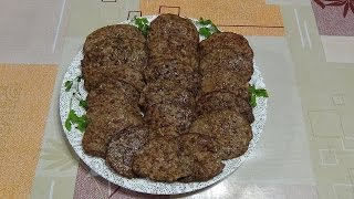 Котлеты из куриной печени с рисом.