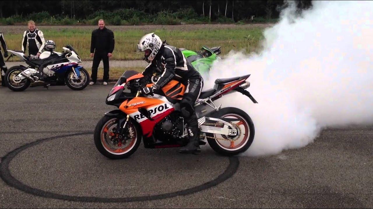 burnout motorbike sounds motorrad motorcycle biker bikers acceleration motor sound compilation burnouts smokey epic tires f1 diesel rod auf play