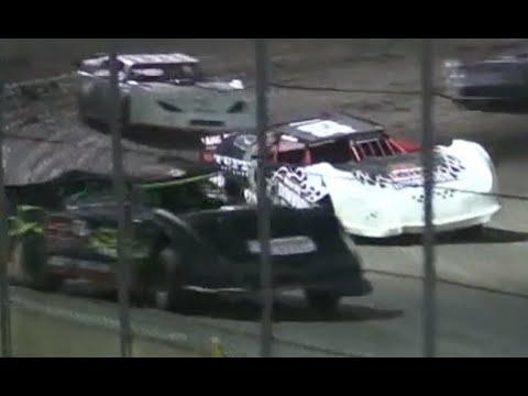 """The Dirt Track"" at Kern County Raceway Park Heat Races 10-2-15"