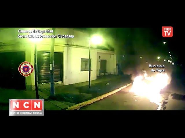 CINCO TV - Auto envuelto en llamas fue sofocado rápidamente en Ricardo Rojas - Tigre