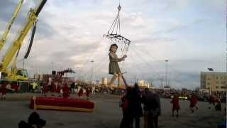 Liverpool Sea Odissey Little Girl Giant Dancing  spectacular Royal de Luxe