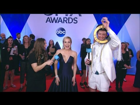 Andy and Jeannie Hit the CMA Red Carpet