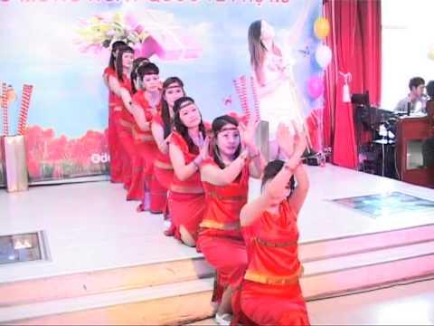 Tốp múa: Tiếng chày trên sóc Bom Bo