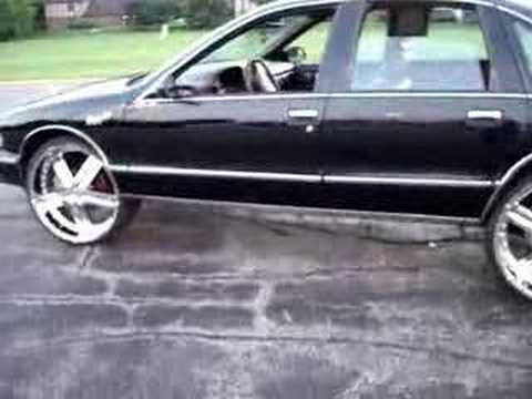 how to put 24s 26s on your chevy caprice bubble chrome youtube how to put 24s 26s on your chevy caprice bubble chrome