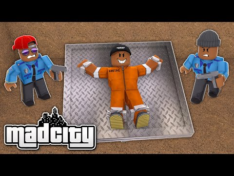 1 CRIMINAL VS 2 COPS CHALLENGE IN ROBLOX MAD CITY!! (Roblox Livestream)