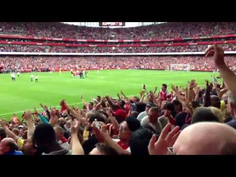 Arsenal vs Tottenham - Final Whistle Celebrations