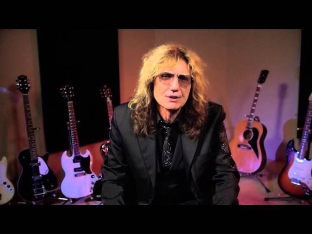 David Coverdale nos saluda y desvela que Whitesnake tocan el día...