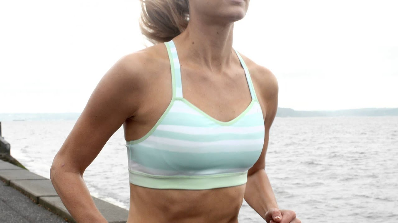 Brooks Moving Comfort Collection Uprise Crossback Sports Bra Youtube