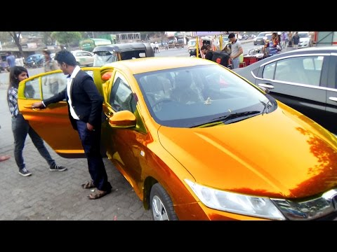 Sexy GOLD CAR GOLD Digger Prank in India