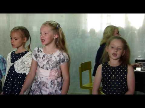 Песня Взрослые и дети. Ансамбль Веснушки