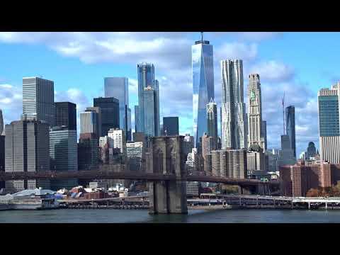 Walk on the Manhattan bridge, beautiful landscape - New York 2017