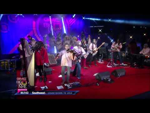"""The Polyphonic Spree perform, """"Light and Day"""" live at Big D NYE 2015"""