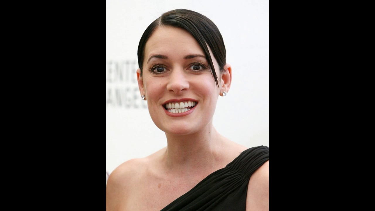 Paget Brewster Nude Photos 11