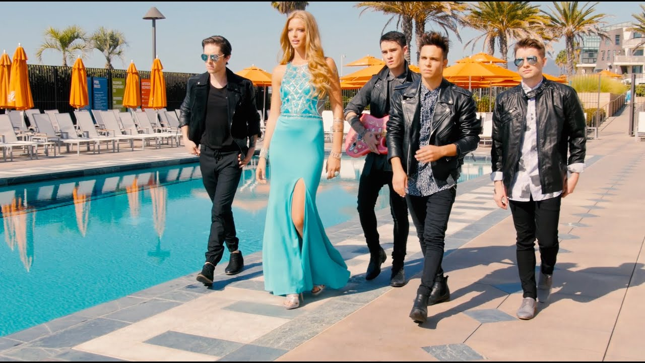 Midnight Red goes to Prom with Camille La Vie! - YouTube - photo #26