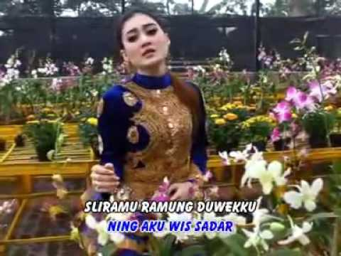 LILO AKU LILO - NELLA KHARISMA OFFICIAL VIDEO