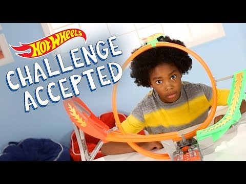 Power Shift™ Raceway Track Set – Challenge Accepted!  | Hot Wheels