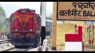 (HD) 12836 Yesvantpur Hatia Super Fast Express ...