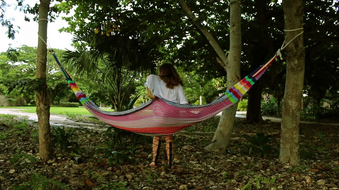 how to hang a hammock between two trees   youtube  rh   youtube