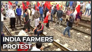 India farmers continue to bloc…