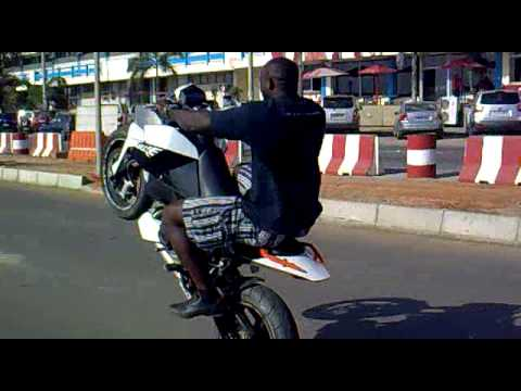 nando piston com a ktm duke 690 .mp4