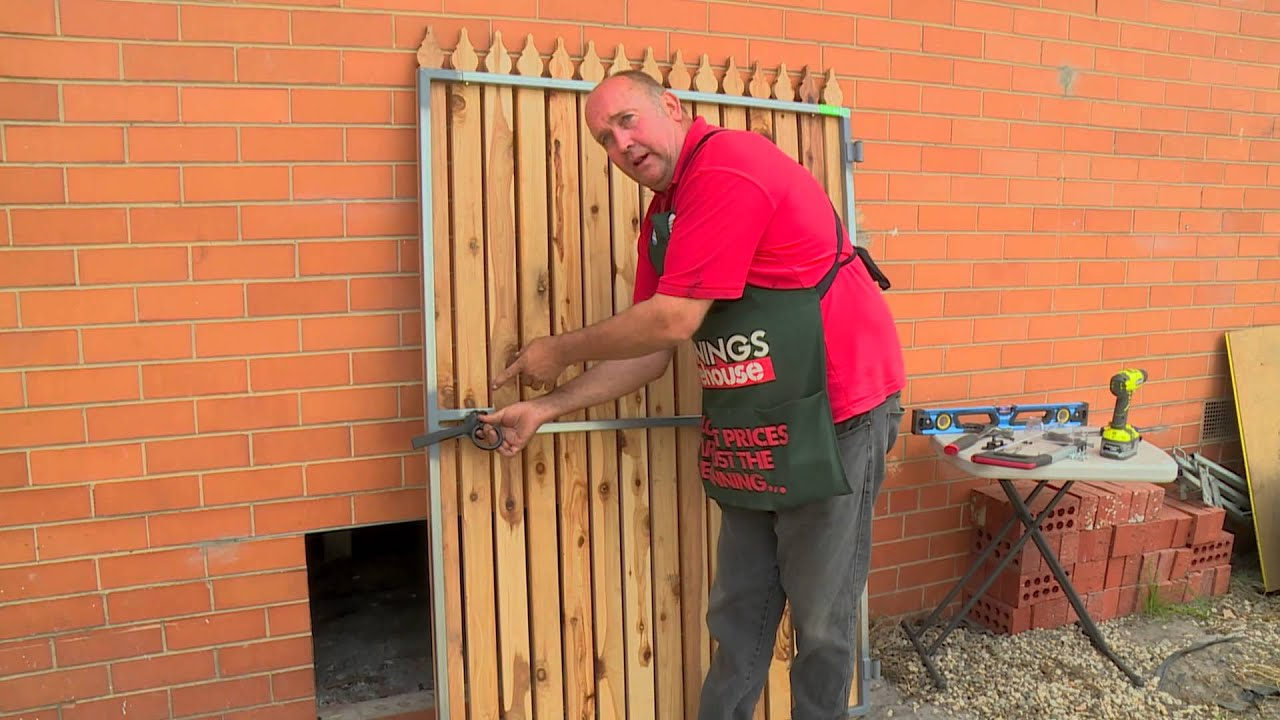 How To Fit A Ring Gate Latch Diy At Bunnings Youtube