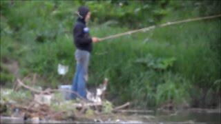 Любимый КОТ РЫБАКА рыбачит вместе с хозяином ПРИКОЛЫ НА РЫБАЛКЕ 2016