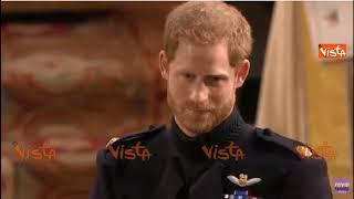 Lo sguardo innamorato di Harry sull'altare: