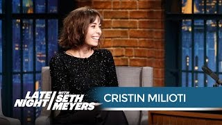 connectYoutube - Cristin Milioti's Awkward David Bowie Encounter - Late Night with Seth Meyers