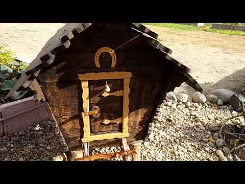 Декоративные домики на даче своими руками