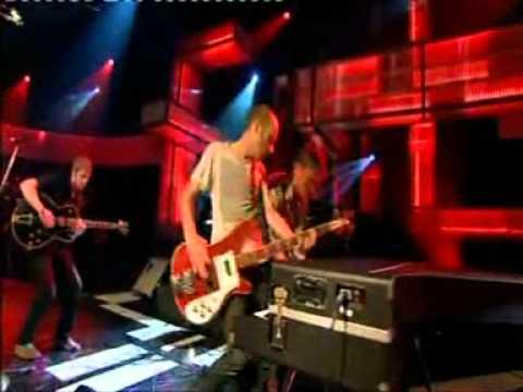 Cold War Kids - Hang Me Up To Dry (Live)