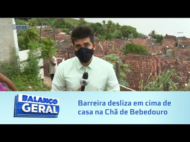 Reflexos da chuva: Barreira desliza em cima de casa na Chã de Bebedouro