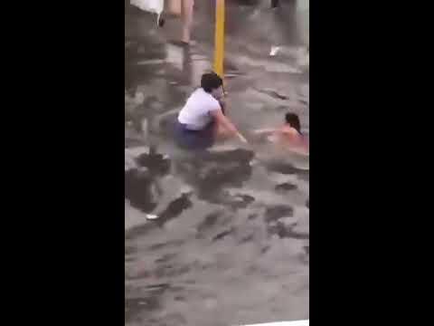 Una niña casi fue arrastrada por la correntada en Lomas de Zamora