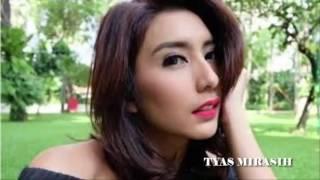 Download Video Sexy HOT LIP by Tyas Mirasih MP3 3GP MP4