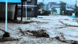 WA10 新潟 福島大雨 南魚沼市 塩沢商工下のJRガード下 (水害)