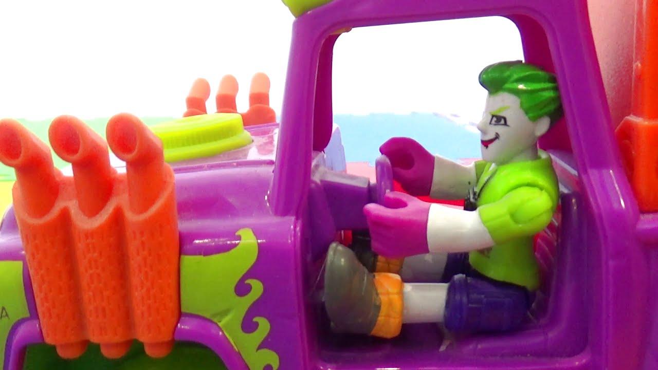 Джокер обидел машинку и за ним гонится полиция Мультик для детей