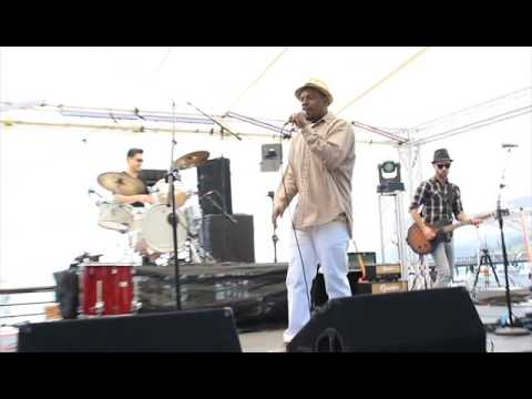 """Smiley-D """"Box of Chocolates"""" Live @ Whaling Days 2016"""