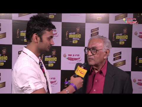Ameen Sayani in conversation with RJ Anmol at the #MMAWARDS RED CARPET