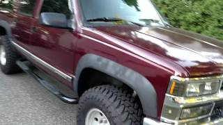 1994 6.5 Turbo diesel Suburban walk around 2 inch lift with 33 in tires Toyo M/T