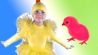 Liza dance with little chickens | Animation video by SKORIKI