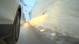 À Bonneval-sur-Arc, des murs de neige érigés le long des routes