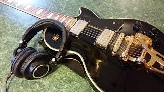 كيفية العزف على الغيتار من خلال سماعات الرأس