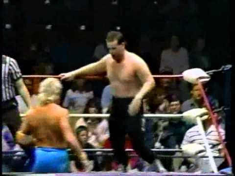 WW 2/4/89- Gilbert vs Max MacGyver