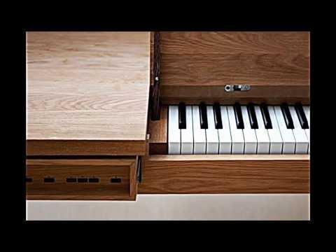 Eichentisch schlicht Design Klavier integriert