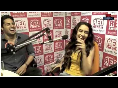 Shraddha Kapoor singing 'Teri Galiyaan'- Shakti Kapoor version!