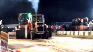 Video 15,000lb Farm Tractors Pulling in Platteville, WI 9-6-2014 download MP3, 3GP, MP4, WEBM, AVI, FLV Juni 2018