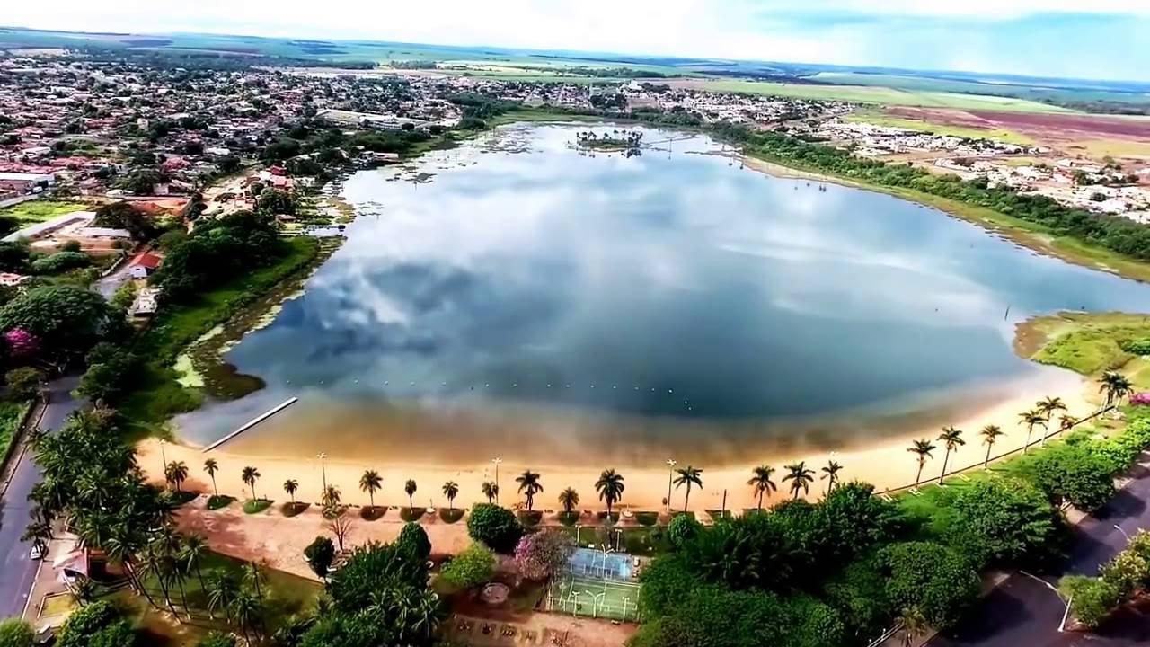 Lagoa da Prata Minas Gerais fonte: i.ytimg.com
